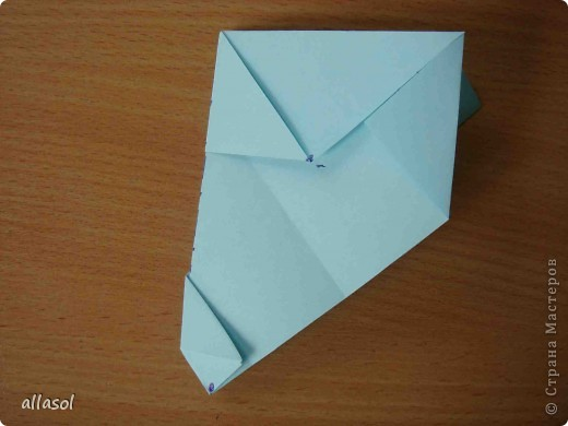"""Готовлюсь к занятиям кружка """"Оригами"""". Тема """"Орнаменты"""". Чтобы заинтересовать, стараюсь сделать образцы. Вот что у меня получилось сегодня. Это орнамент """"Иллюзия"""". Делала по книге Т.Сержантовой """"100 праздничных моделей оригами"""". Выглядит красиво, но уж очень много слоев. Ведь этот орнамент из 20 модулей. фото 23"""
