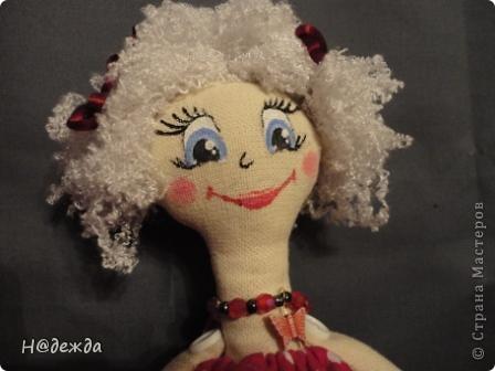 Знакомтесь это моя первая кукла для дочки зовут ее Машуля. Увидя ангелочка Машеньку от Ируси http://stranamasterov.ru/node/153000 очень захотелось сделать нечто похожее.  И вот наконец-то родилось это чудо. Имя придумывала дочка и так совпало, что назвала ее также.  И вот история Машули. Вот такая я родилась. фото 4