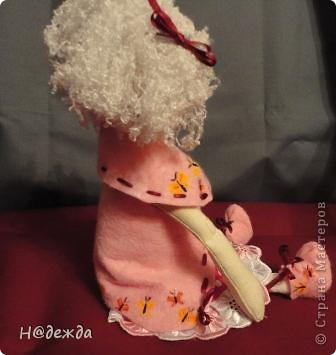 Знакомтесь это моя первая кукла для дочки зовут ее Машуля. Увидя ангелочка Машеньку от Ируси http://stranamasterov.ru/node/153000 очень захотелось сделать нечто похожее.  И вот наконец-то родилось это чудо. Имя придумывала дочка и так совпало, что назвала ее также.  И вот история Машули. Вот такая я родилась. фото 13