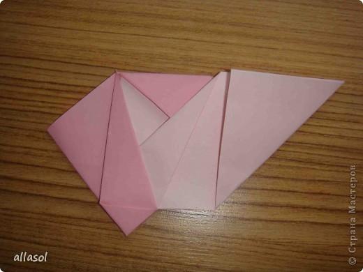 """Готовлюсь к занятиям кружка """"Оригами"""". Тема """"Орнаменты"""". Чтобы заинтересовать, стараюсь сделать образцы. Вот что у меня получилось сегодня. Это орнамент """"Иллюзия"""". Делала по книге Т.Сержантовой """"100 праздничных моделей оригами"""". Выглядит красиво, но уж очень много слоев. Ведь этот орнамент из 20 модулей. фото 38"""