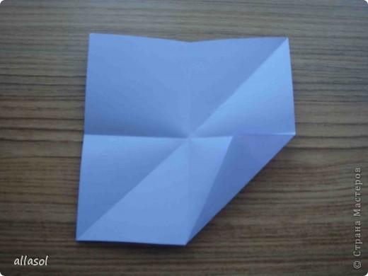 """Готовлюсь к занятиям кружка """"Оригами"""". Тема """"Орнаменты"""". Чтобы заинтересовать, стараюсь сделать образцы. Вот что у меня получилось сегодня. Это орнамент """"Иллюзия"""". Делала по книге Т.Сержантовой """"100 праздничных моделей оригами"""". Выглядит красиво, но уж очень много слоев. Ведь этот орнамент из 20 модулей. фото 31"""