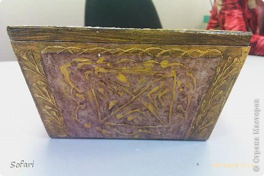 Буквально перед майскими праздниками проводила я мастер-класс  по созданию такой вот коробочки.  даже не знаю как ее назвать, мне больше нравится конфетница. Эту работу я делала специально перед занятием как образец.  фото 4