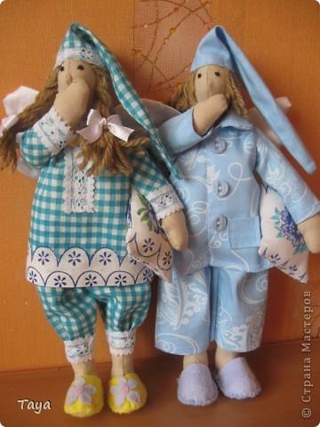 Благодаря Ирене и я пошила ангелов добрых снов.Спасибо Ирена за вдохновение и МК! http://stranamasterov.ru/node/183703 Куклы получились не большие 25см. фото 1