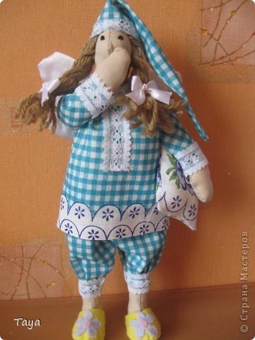 Благодаря Ирене и я пошила ангелов добрых снов.Спасибо Ирена за вдохновение и МК! http://stranamasterov.ru/node/183703 Куклы получились не большие 25см. фото 3