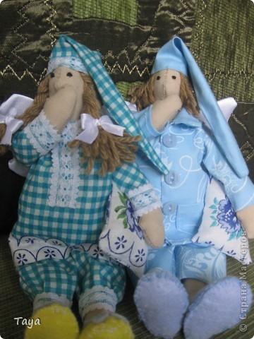 Благодаря Ирене и я пошила ангелов добрых снов.Спасибо Ирена за вдохновение и МК! http://stranamasterov.ru/node/183703 Куклы получились не большие 25см. фото 4