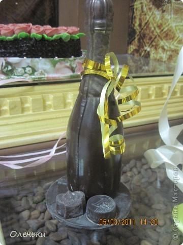 Харьков стал десятым, юбилейным городом, принимающим музей шоколада. Экспозиция шоколадных миниатюр, специально изготавливается для каждого города эксклюзивно. Вкусная экспозиция состоит из пятидесяти эксклюзивных фигурок, сделанных вручную. Среди них и Эйфелева башня, и компьютерная мышь, и футбольный мяч - они не продаются. фото 23