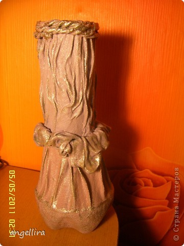 здравствуйте, мои дорогие! Благодаря Танюшкиной идее декорировать тканью бутылки я решила попробывать сделать вазу из ничего и вот что из этого получилось :) фото 17