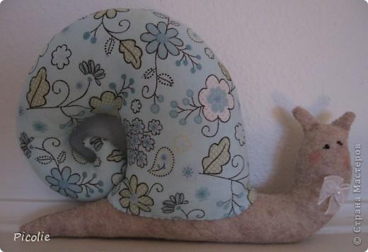 Вот такой пошился зайка. Спасибо Кате за прекрасный МК! Вот здесь http://www.katjushik.ru/categories/toys/animals/page/4 фото 4