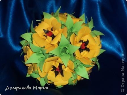 """Цветочки и листики собирала на основу - кусудама """"Электра"""", побоялась, что на нить не соберу. фото 2"""