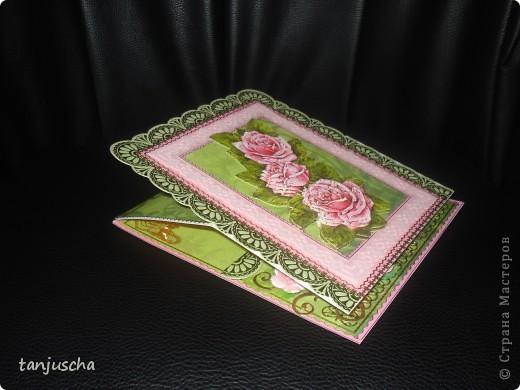 Моя новая открытка. Для этой открыточки делала рамочку в технике пергамано с помощью грида. Использовала цветочки и бумагу для скрапа. Стикеры и 3д картинку.  фото 2
