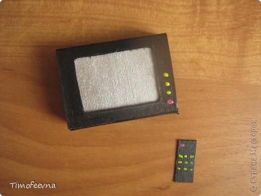 """Мой сын Миша справедливо заметил, что в нашем <a href=""""http://stranamasterov.ru/node/176652"""">домике для пупсиков</a>  нет телевизора. В чём проблема? Будет!  фото 9"""