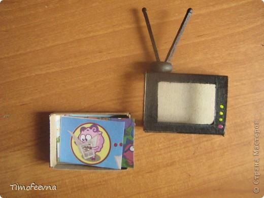 """Мой сын Миша справедливо заметил, что в нашем <a href=""""http://stranamasterov.ru/node/176652"""">домике для пупсиков</a>  нет телевизора. В чём проблема? Будет!  фото 11"""