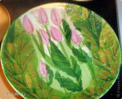Ещё одна тарелочка с обратным декупажем. фото 2