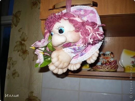 Вот и моя первая куколка-попик Карамелька. Головка уже была готова, но вот образ никак не складывался, но когда увидела розовую ткань сразу мелькнуло что это будет Карамелька. Именно розовая как в детстве - конфетка-карамелька. фото 1
