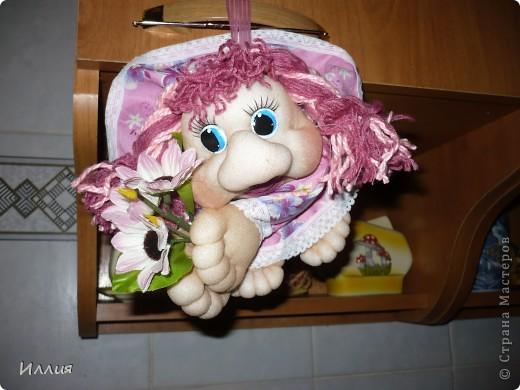 Вот и моя первая куколка-попик Карамелька. Головка уже была готова, но вот образ никак не складывался, но когда увидела розовую ткань сразу мелькнуло что это будет Карамелька. Именно розовая как в детстве - конфетка-карамелька. фото 2