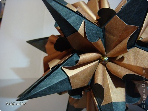 Кусудама Echinos floridus Автор Екаткрина Лукашева Схема http://kusudama.me/#/Spikes/Echinos_floridus/igel5 фото 4