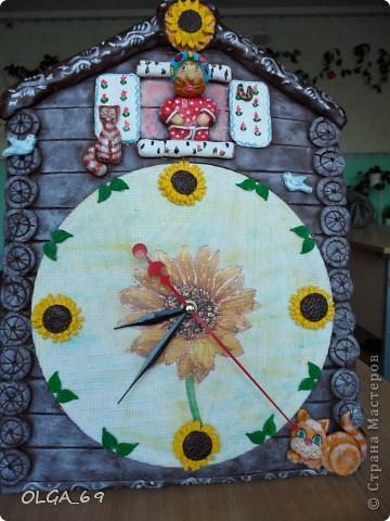 Часы сделаны в основном  из теста. Высота 40 см.  фото 1