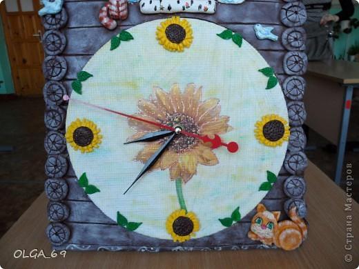 Часы сделаны в основном  из теста. Высота 40 см.  фото 3