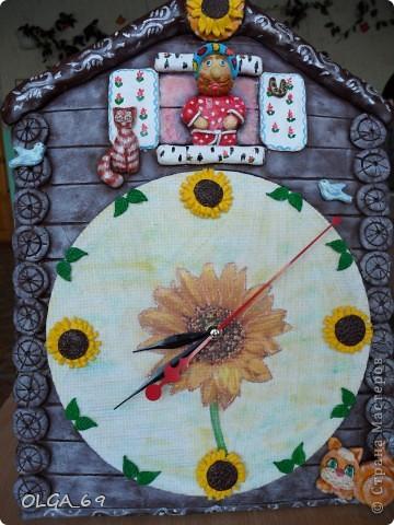 Часы сделаны в основном  из теста. Высота 40 см.  фото 4