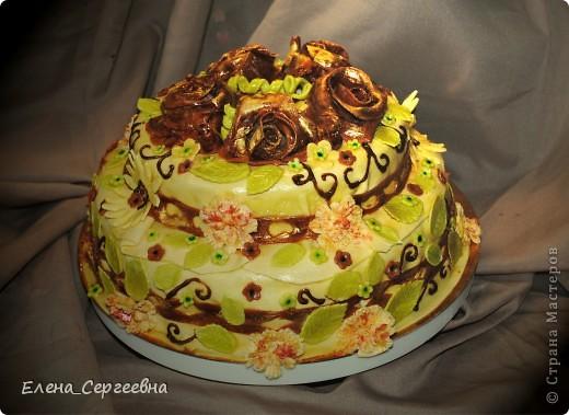 Торт мастичный двухъярусный.
