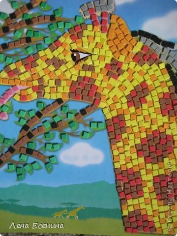 Страница из книги Foam Book by Chicken Socks. Пористая резина (foam) - замечательный материал, дающий бесконечные возможности для творчества. Я нахожу его очень удобным для творческих занятий с совсем маленькими детьми - 1.5-3 лет, так как ручкам работать с объемными материалами проще... фото 9