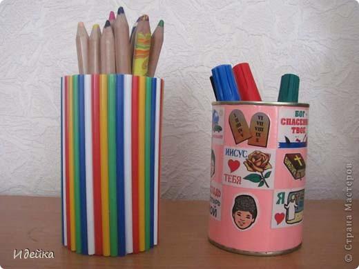 Вот такме карандашницы получились из жестяных баночек от маслин. фото 1