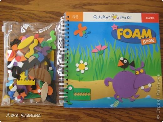 Страница из книги Foam Book by Chicken Socks. Пористая резина (foam) - замечательный материал, дающий бесконечные возможности для творчества. Я нахожу его очень удобным для творческих занятий с совсем маленькими детьми - 1.5-3 лет, так как ручкам работать с объемными материалами проще... фото 4