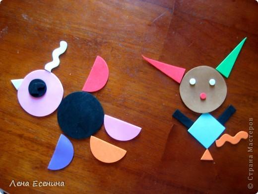 Страница из книги Foam Book by Chicken Socks. Пористая резина (foam) - замечательный материал, дающий бесконечные возможности для творчества. Я нахожу его очень удобным для творческих занятий с совсем маленькими детьми - 1.5-3 лет, так как ручкам работать с объемными материалами проще... фото 7