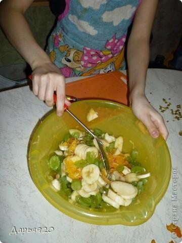 Вот такой салат я сделала под руководством мамы. Приглашаю всех сделать такой же. фото 6