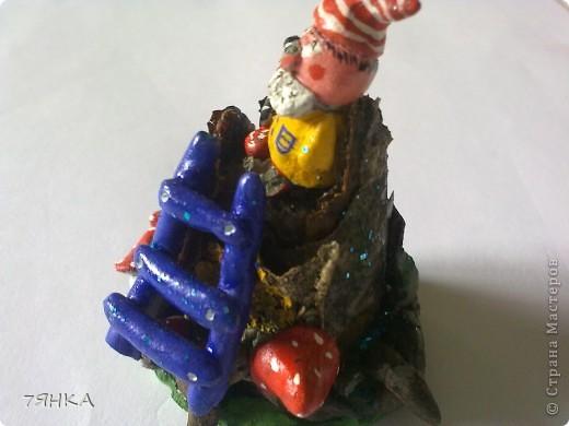 Вчера сделала домик для своей коллекции сказочных миниатюр. А сегодня новоселье. фото 30