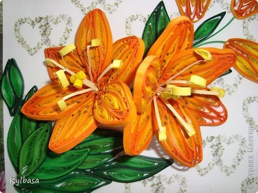 Скоро день Рождения моей мамы. И зовут ее Лилия. Обычно я дарю ей живые лилии, но в этом году, вдохновившись работами местных мастериц, решила  сделать вот такие.  фото 1