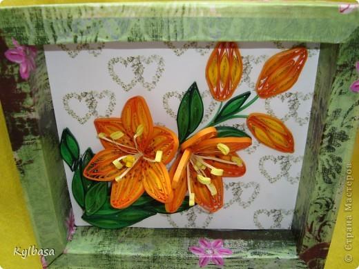 Скоро день Рождения моей мамы. И зовут ее Лилия. Обычно я дарю ей живые лилии, но в этом году, вдохновившись работами местных мастериц, решила  сделать вот такие.  фото 4
