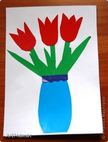 Цветы из салфеток и гофробумаги (оказалось, что она красится от клея-карандаша). Делали с дочкой в 1 г. 8 мес.  фото 7