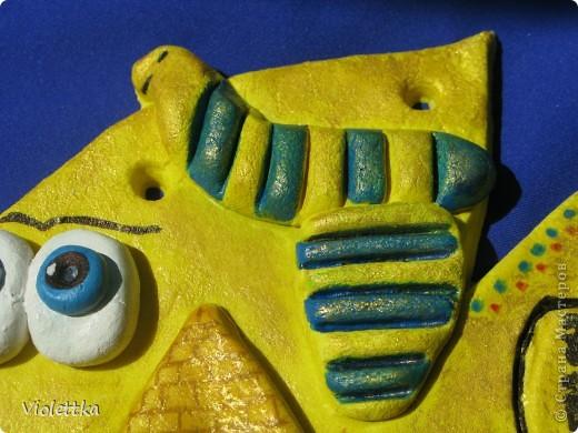 Рыба сокровища Египта, повторюшка Lev-Alen, спасибо большое! Работа моего сыночка, ему 9 лет, все делал сам, я помогла только вырезать из теста контур рыбки. Покрыта сверху золотой гуашью, на солнце красиво поблескивает. Лена, спасибо большое за идею! Ваши работы нас восхищают! Сынок еще хочет Рыбку Мексику сделать фото 4