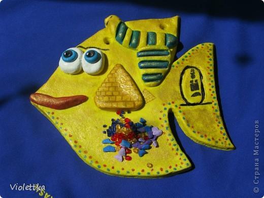 Рыба сокровища Египта, повторюшка Lev-Alen, спасибо большое! Работа моего сыночка, ему 9 лет, все делал сам, я помогла только вырезать из теста контур рыбки. Покрыта сверху золотой гуашью, на солнце красиво поблескивает. Лена, спасибо большое за идею! Ваши работы нас восхищают! Сынок еще хочет Рыбку Мексику сделать фото 5