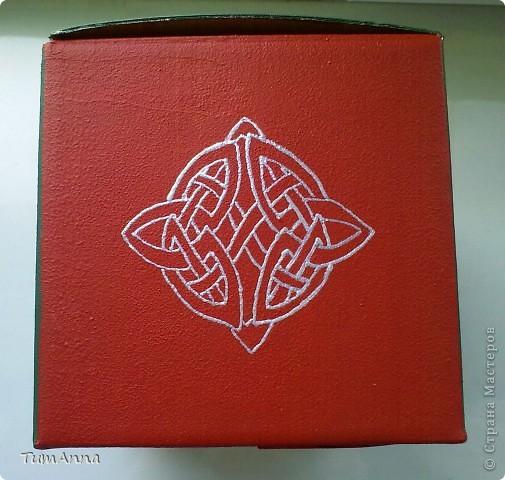 коробка обувная обыкновенная и ещё одна, из под чего я уже не помню ^_^. Узоры нарисованы контурной краской. фото 12