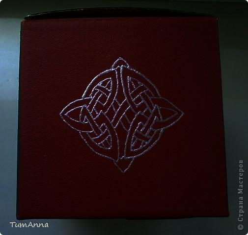 коробка обувная обыкновенная и ещё одна, из под чего я уже не помню ^_^. Узоры нарисованы контурной краской. фото 13