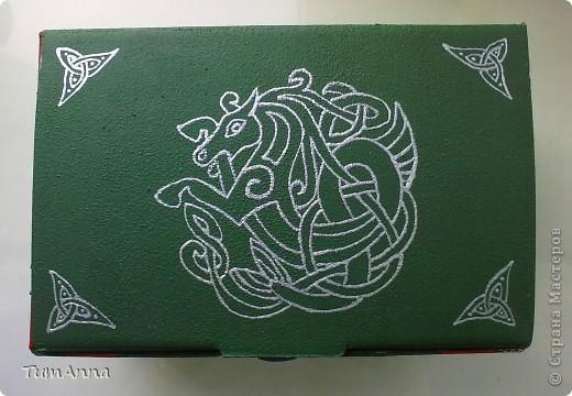 коробка обувная обыкновенная и ещё одна, из под чего я уже не помню ^_^. Узоры нарисованы контурной краской. фото 8
