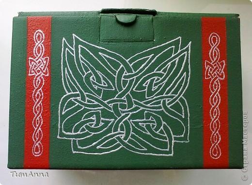коробка обувная обыкновенная и ещё одна, из под чего я уже не помню ^_^. Узоры нарисованы контурной краской. фото 10