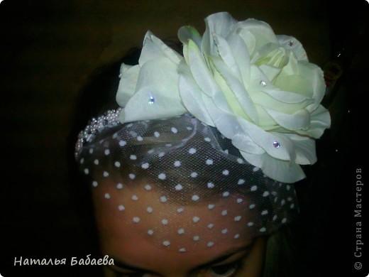 В общем, делаю свадебную вуаль для сестренки, не нашла белые перья(она хочет купить платье с перьями)  сделала пока образец с черными. фото 2