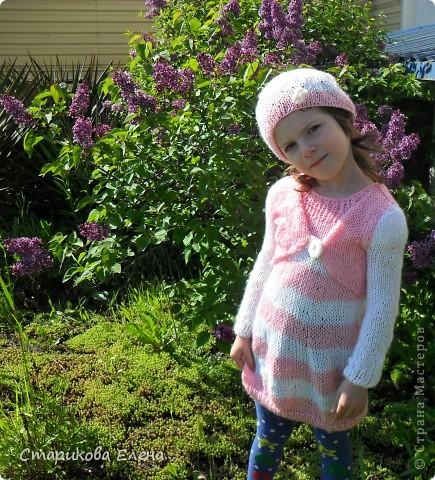 Младшая внученька в новом костюмчике, платье, болерушка с рукавами и шапочка. фото 1