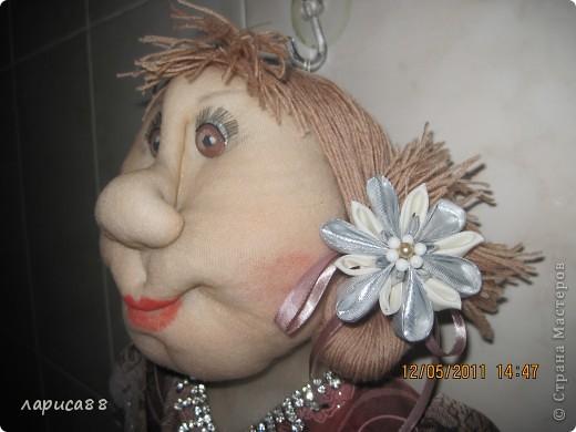 Фрося нарядилась, готовится к приему гостей. фото 5
