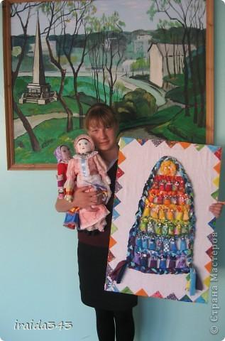 В этом году на школьную научно-практическую готовили реферат о куклах-оберегах. Как практическое приложение к реферату выполнили интерьерное панно из вепсских куколок. фото 8