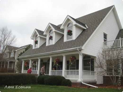 """Хочу рассказать о том, как оформляют дома на Рождество в Америке... Мне уже пора открывать серию """"Как это в США..."""" :)) Это украшен кухонный стол. фото 2"""