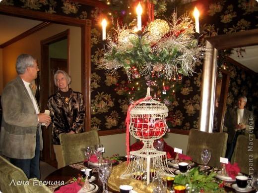 """Хочу рассказать о том, как оформляют дома на Рождество в Америке... Мне уже пора открывать серию """"Как это в США..."""" :)) Это украшен кухонный стол. фото 6"""