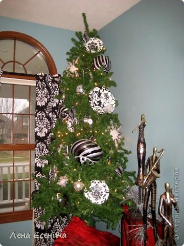 """Хочу рассказать о том, как оформляют дома на Рождество в Америке... Мне уже пора открывать серию """"Как это в США..."""" :)) Это украшен кухонный стол. фото 9"""