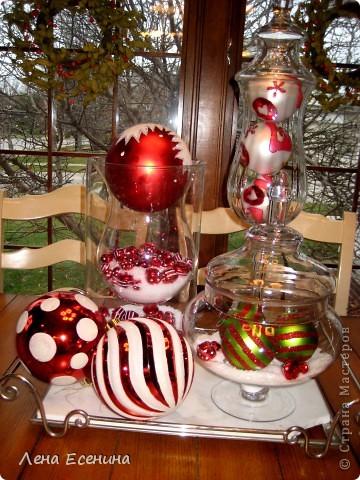 """Хочу рассказать о том, как оформляют дома на Рождество в Америке... Мне уже пора открывать серию """"Как это в США..."""" :)) Это украшен кухонный стол. фото 1"""