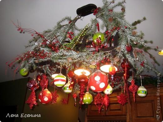 """Хочу рассказать о том, как оформляют дома на Рождество в Америке... Мне уже пора открывать серию """"Как это в США..."""" :)) Это украшен кухонный стол. фото 20"""