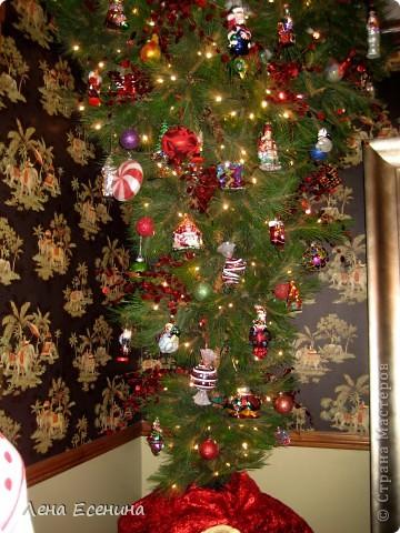 """Хочу рассказать о том, как оформляют дома на Рождество в Америке... Мне уже пора открывать серию """"Как это в США..."""" :)) Это украшен кухонный стол. фото 8"""