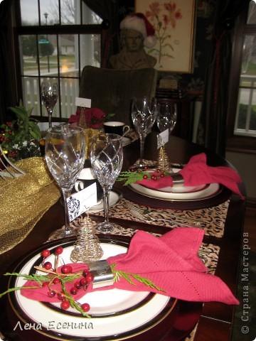 """Хочу рассказать о том, как оформляют дома на Рождество в Америке... Мне уже пора открывать серию """"Как это в США..."""" :)) Это украшен кухонный стол. фото 7"""